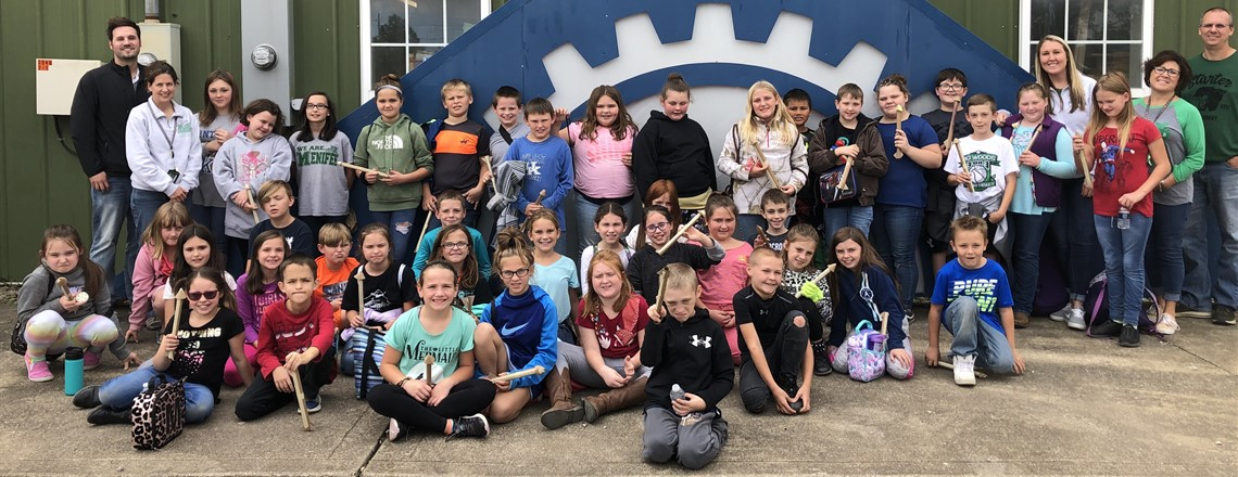 GEAR Up's 4th Grade trip to Newton's Attic to study engineering!